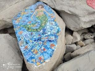 فسيفساء على صخور شاطئ المنستير 10