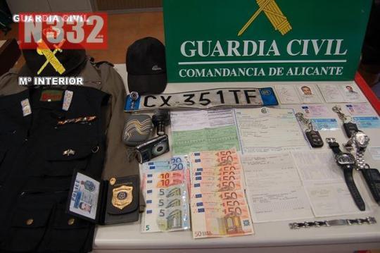 20150827 - Guardia Civil Arrest Fake Police Robbers
