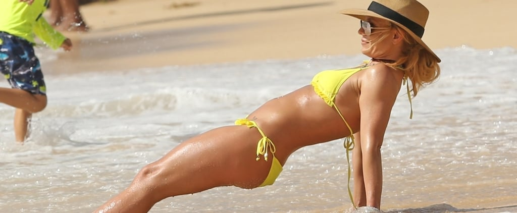 Britney-Spears-Wearing-Bikini-Ring-Hawaii-Jan-2018
