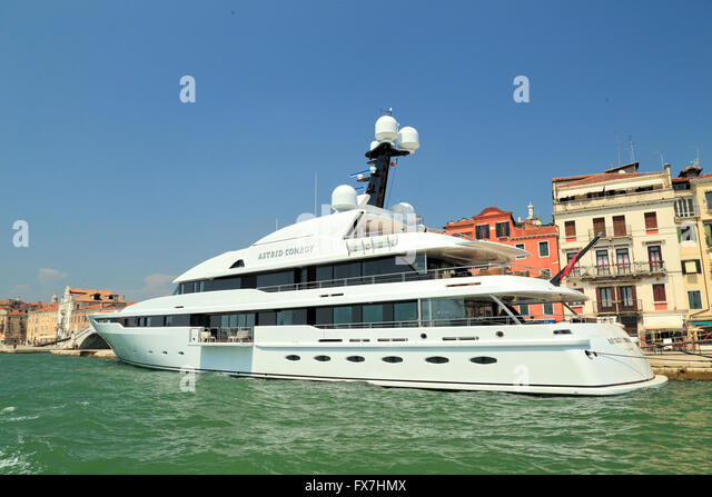 Amels Yacht Stock Photos Amp Amels Yacht Stock Images Alamy