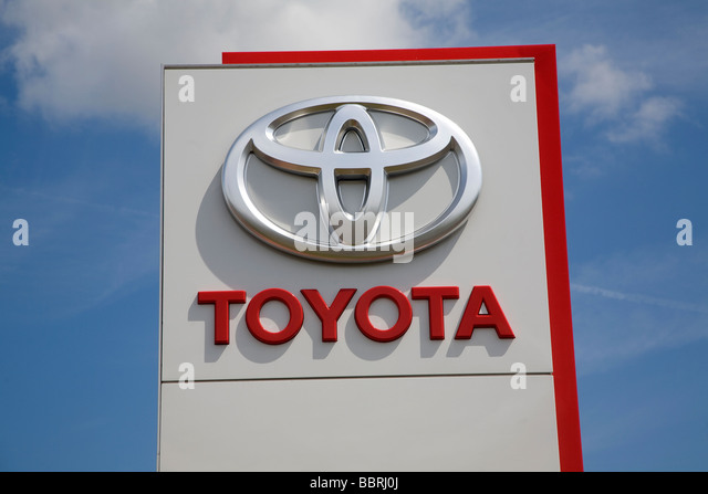 Toyota Sign Stock Photos Amp Toyota Sign Stock Images Alamy