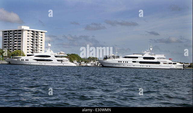 Super Yacht Mine Games Owned Stock Photos Amp Super Yacht