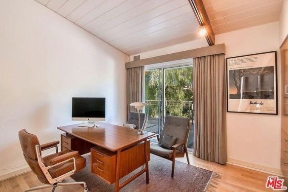 Guest room or office