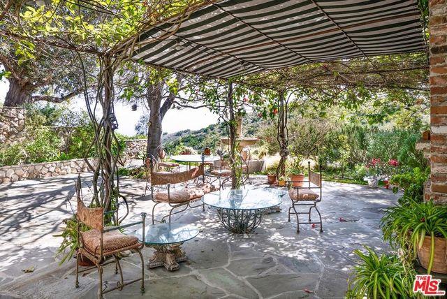 'Enchanting' outdoor area