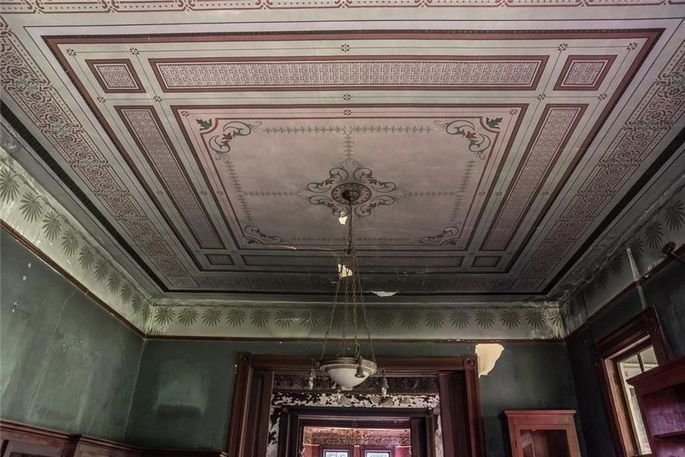 Hand-painted ceiling