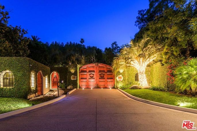 Gated compound built by Cher