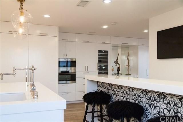 The epitome of a glamorous kitchen