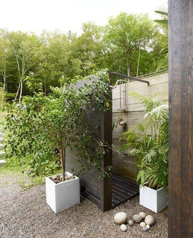 The outdoor shower.