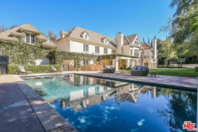 Avril Lavigne's Sherman Oaks, CA, home
