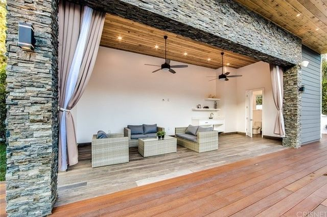 A view of the cabana,