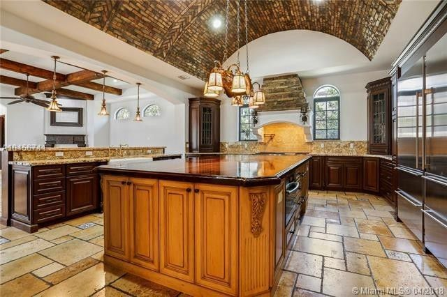 Kitchen with terra-cotta ceiling tile