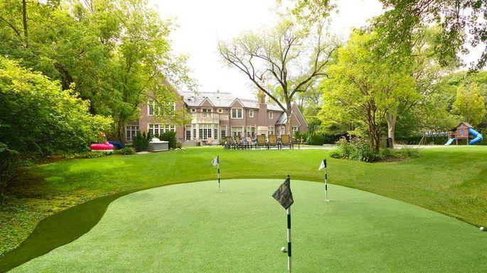 lake-forest-golf-yoga-mansion