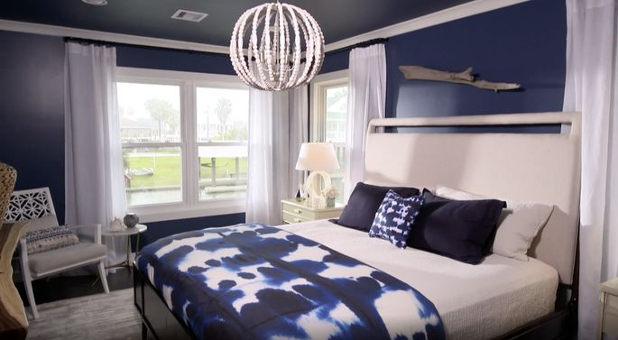 Jonathan's painted ceiling looked great with his dark bedroom design.