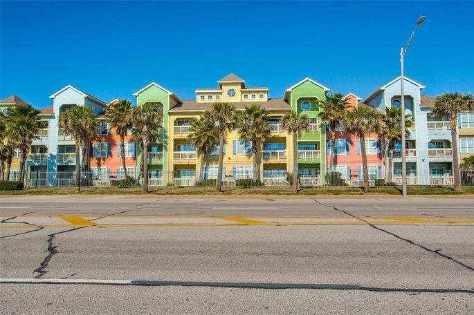 7000 Seawall Blvd, Apt. 214, Galveston, TX
