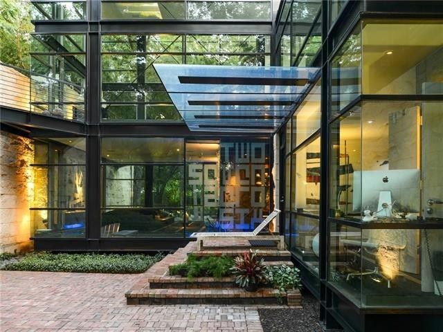 House made of glass and steel