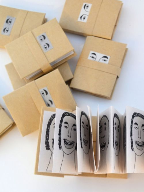 leporello, carte 3 d, livre objet, livre miniature, pop-up