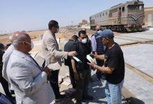 Photo of وزير النقل يفاجئ العاملين بمحطة الجناين للسكك الحديدية