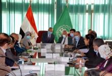 Photo of الهجان يستعرض مع رئيس هيئة التخطيط العمراني مشروع المخطط الإستراتيجي للتنمية العمرانية للمحافظة