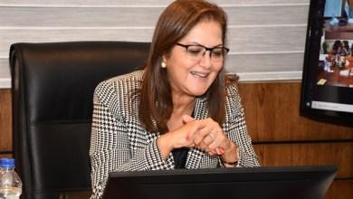 Photo of هالة السعيد: أهدي جائزة أفضل وزيرة عربية للشعب المصرى