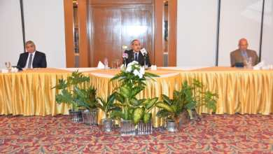 Photo of صور..وزير الطيران المدنى يتفقد مشروع المشاية الكهربائية بمطار القاهرة