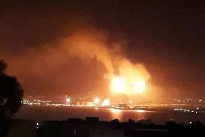 Photo of انفجار بالجزائر يؤدي إلي مصرع 5 جزائريين وإصابة 3 آخرين بولاية تبسة شمال شرقي البلاد