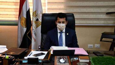 Photo of وزير الرياضة يجري اتصالاً هاتفياً بالكابتن محمود الخطيب ويطمئن علي بعثة الأهلي