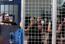 Photo of الاحتلال يحرم الأسرى من الزيارة لمدة شهر وتعزل عددا منهم