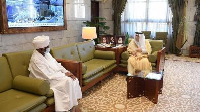 أمير الرياض يلتقي سفير السودان بالمملكة
