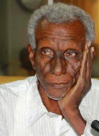 """السودان : تأجيل محاكمة الكاتب الصحافي """"اسحق فضل لله"""" لهذا السبب!!"""