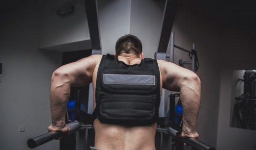 Exercitarea cu greutati pentru femei, pentru a pierde in greutate la domiciliu