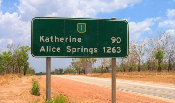 road sign Kathering 90 Alice Springs 1263