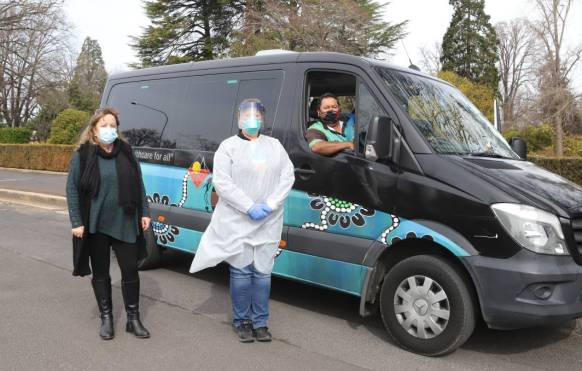 SWAB MOBILE: Cathy Gutterson, Tania Biddle and Peter Fuller from OAMS are making sure no-one misses out on testing. PHOTO: CARLA FREEDMAN