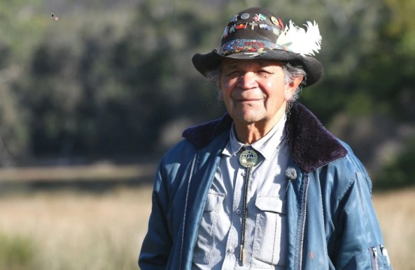 Aboriginal elder Uncle Ossie Cruse is calling on the local Indigenous community to get the jab. Australian Story: Marc Smith.