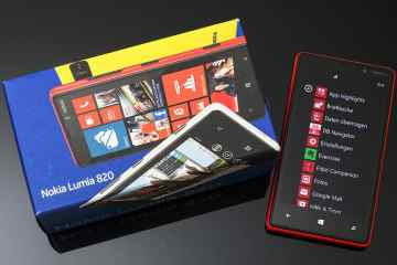 Nokia Lumia 820 ausgepackt