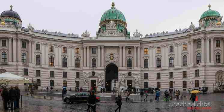 Die Hofburg (bei Regen)
