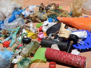 Plastikmüll im Meer nachhaltiger Sport