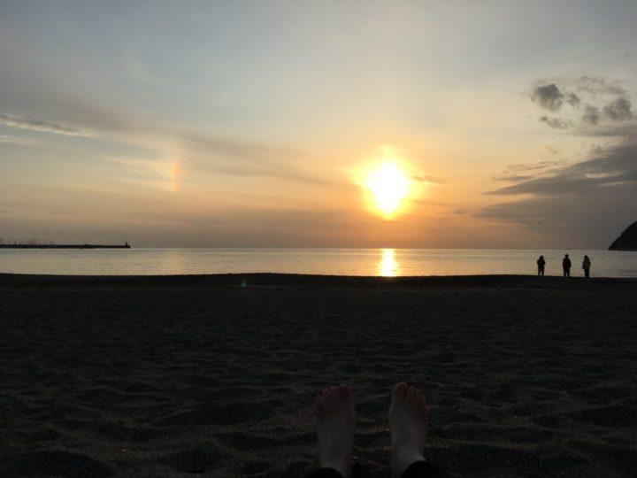 旧暦元旦 2018 琵琶湖から逗子海岸へ 裸足と虹