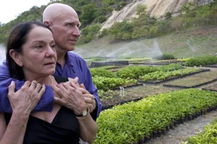 СВАKА ЧАСТ! Спектакуларне фотографије пре и после: Бразилски брачни пар од пустаре направио рај посадивши 2 милиона стабала (ФОТО) (ВИДЕО) 7
