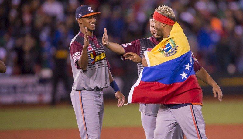 En la Serie del Caribe, México pierde ante Venezuela 6-4 DVRhOQTXkAEJ3se