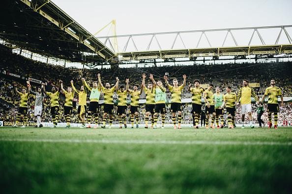 El Borussia Dortmund venció al Stuttgart de Ascacíbar e Insúa