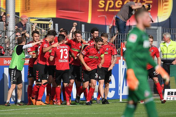 John Córdoba desciende con el Colonia a segunda en la Bundesliga