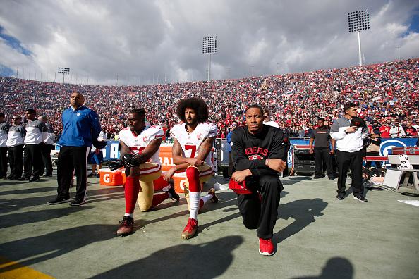 La NFL implementará una nueva regla sobre arrodillarse durante el Himno Nacional