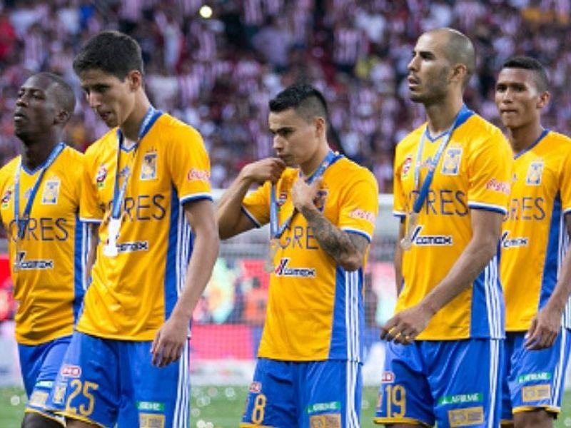 Boca Juniors fichó a Luis Advíncula