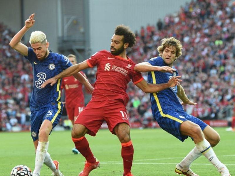 Liverpool y Chelseaempataron en Anfield