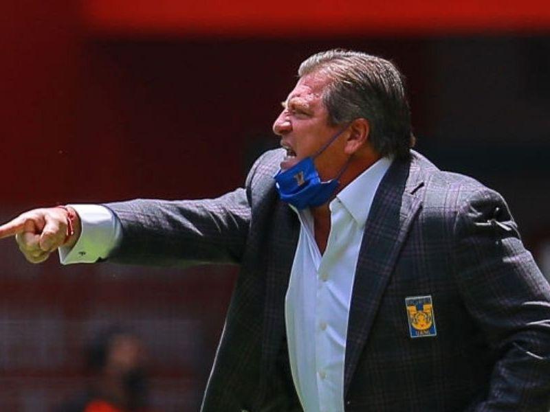 Miguel Herrera se quejó del arbitraje