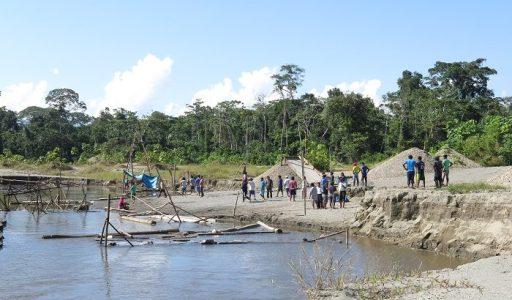 Nación Wampís logra compromiso de mineros ilegales de no continuar con la actividad ilegal y no trabajar en su territorio