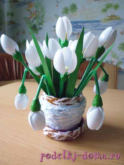 Snowdrops from tubes and spoons