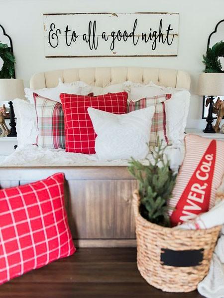 Новогодние подушки для дома