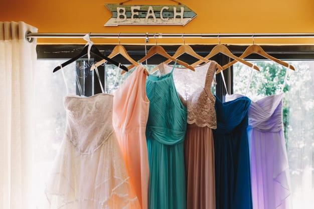 Exemplos de vestidos coloridos