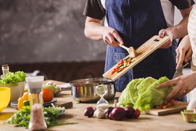 Como manter tudo limpo enquanto cozinha